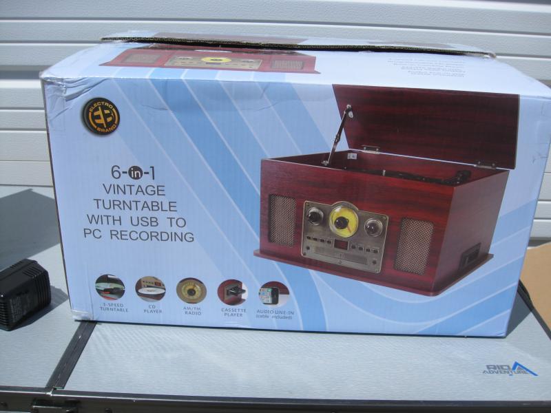 Nostalgic 6-in-1 Stereo